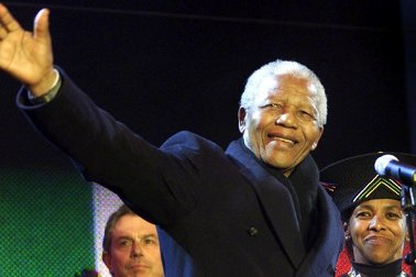 Nelson-Mandela-on-stage-2-jpg